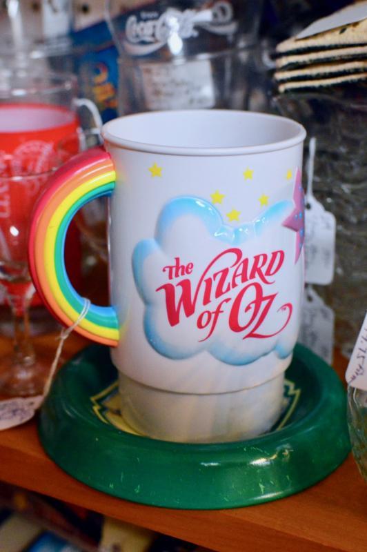 Ringling bros. Barnum & Bailey Wizard of Oz mug