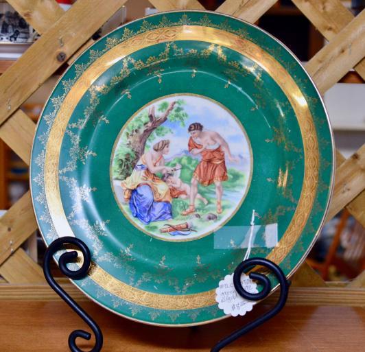 Green plate w/ gold trim