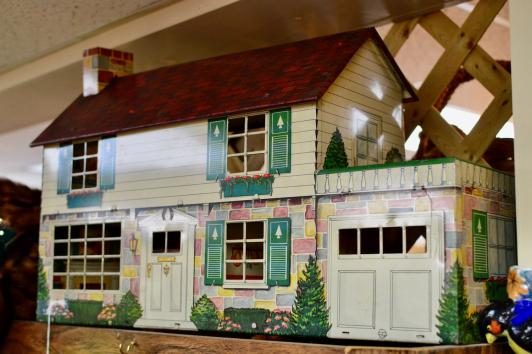 1940's doll house