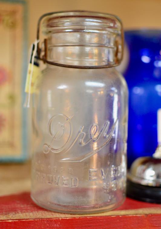 Drey vintage jar