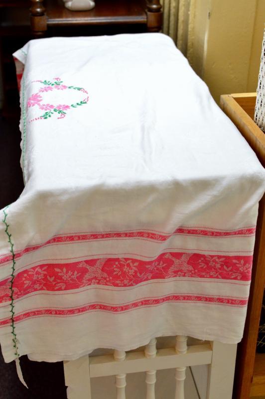 Brocade bedspread - twin sized.