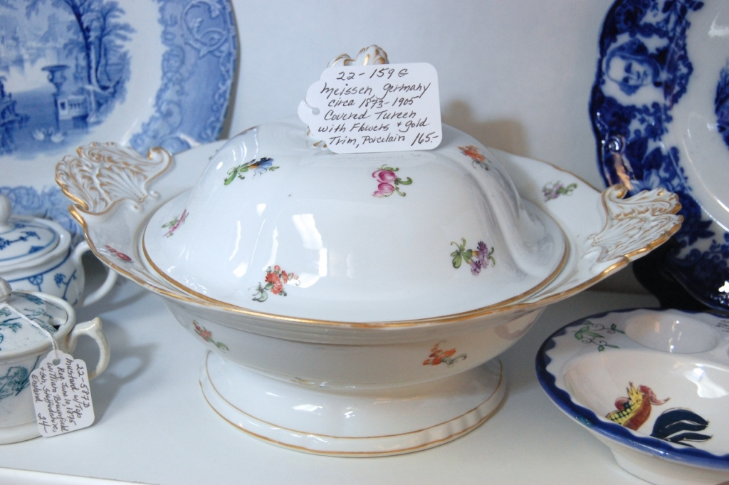 Meissen Germany circa 1873-1905 Covered a Tureen