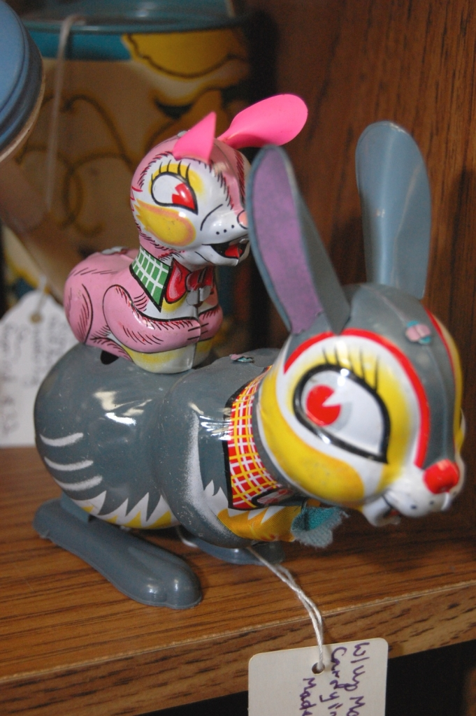 Wind-up Mama Rabbit Toy Carrying Baby - Japan