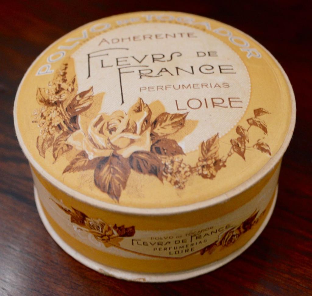 French Roses Powder - Polvo de Tocador - Industria Argentina - Adherente Fleurs de France
