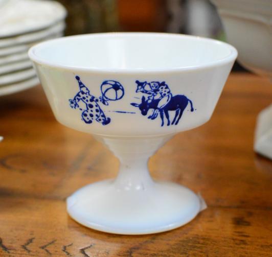 Hazel Atlas Glass Clown Circus bowl / dish