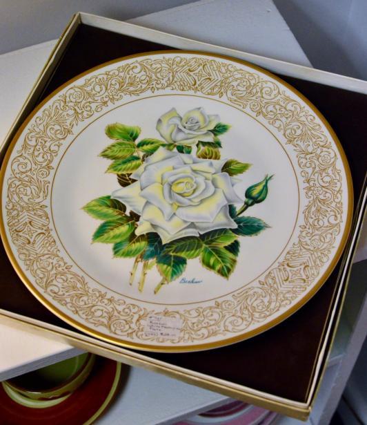 Boehm white masterpiece plate