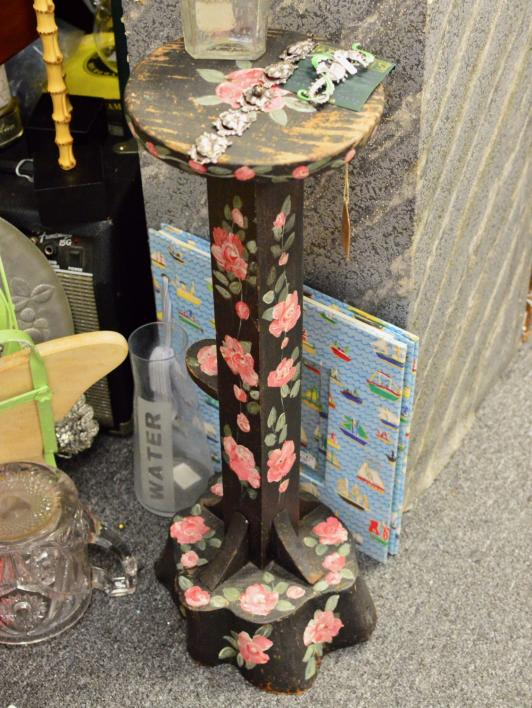 Painted roses table