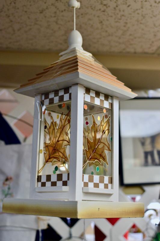 Brown & white bird feeder - new